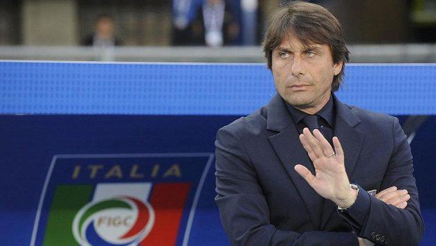 Antonio Conte po ME skončí u italské reprezentace a půjde trénovat Chelsea. Jeho místo u národního týmu přebere Giampiero Ventura.