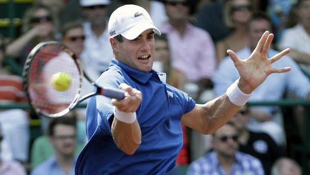 Americký tenista John Isner ve finále turnaje v Houstonu.