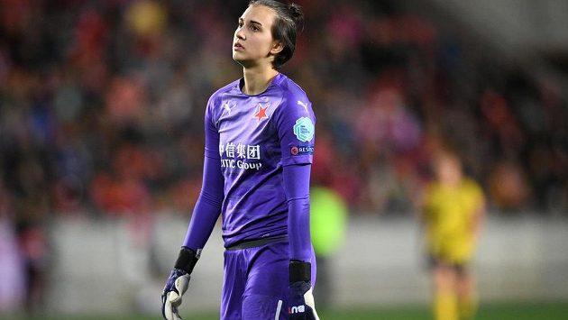 Brankářka Slavie Praha Olivie Lukášová zpytuje svědomí poté, co chybovala v utkání Ligy mistryň s Arsenalem FC.