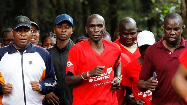 Keňský maratonec Eliud Kipchoge je podruhé za sebou nejlepším světovým atletem roku.