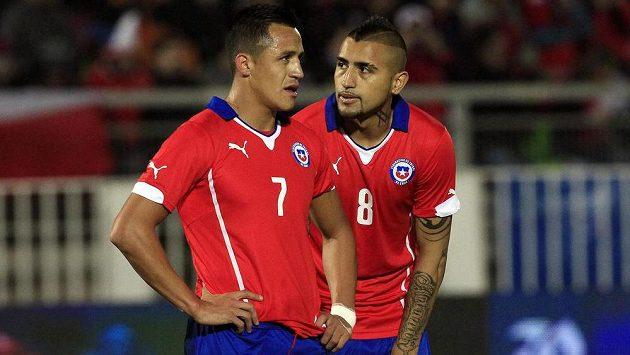 Alexis Sánchez a Arturo Vidal (vpravo) - dva nejlepší chilští fotbalisté ve výběru pro světový šampionát v Brazílii.