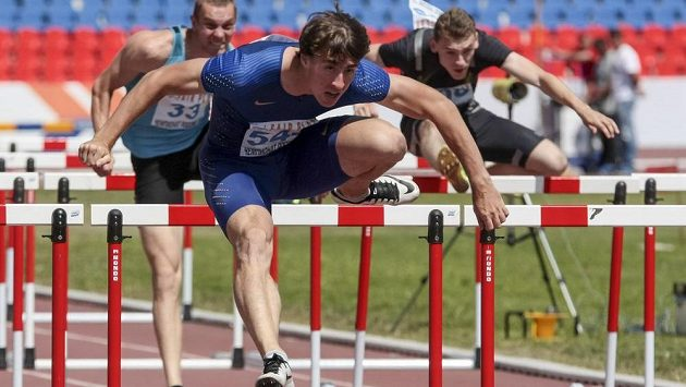 Dočkají se atletičtí fanoušci na OH v Riu mistra světa v běhu na 110 m překážek Sergeje Šubenkova (uprostřed)?
