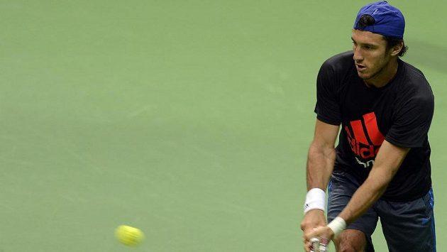 Argentinský tenista Juan Mónaco trénoval v Praze před semifinále Davisova poháru.