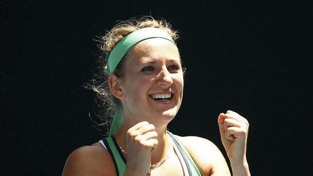 Bělrouská tenistka Viktoria Azarenková se raduje z vítězství nad Barborou Strýcovou v osmifinále Australian open