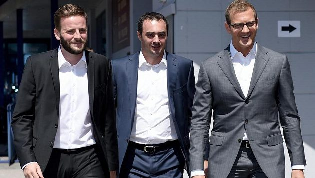Vedení fotbalové Sparty (zleva): Jakub Otava, Adam Kotalík a Daniel Křetínský před startem sezóny 2015/2016.