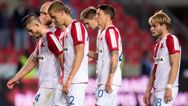 Fotbalisté Slavie (zleva): Radek Voltr, Martin Latka, Tomáš Souček, Milan Škoda, Jiří Bílek a Josef Bazal.