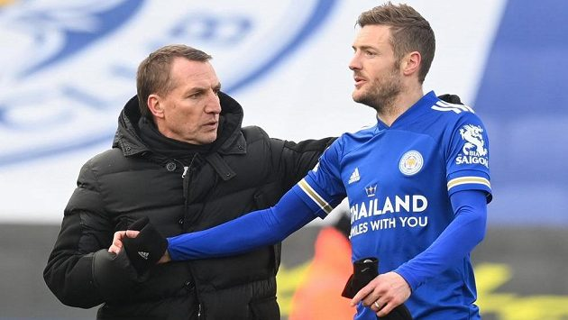 Manažer Leicesteru Brendan Rodgers se největším klenotem týmu, kanonýrem Jamiem Vardym.