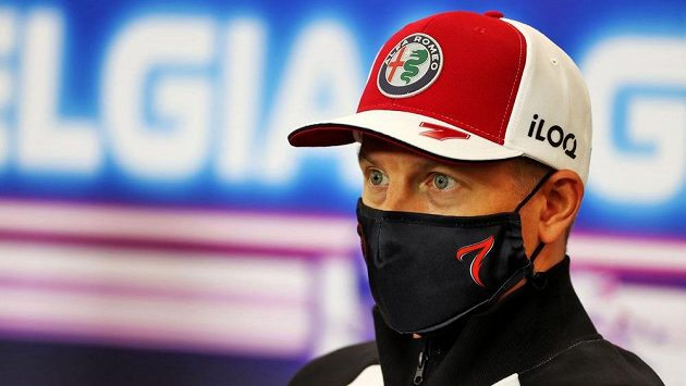 Světový šampion Kimi Räikkönen po sezoně ukončí kariéru.