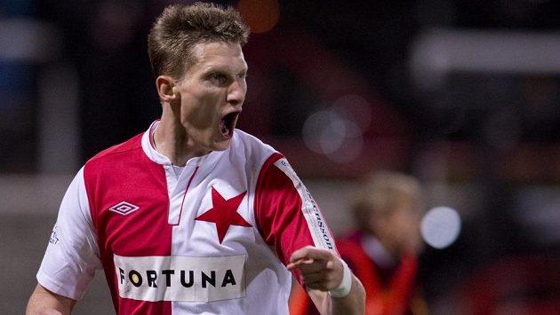 Milan Škoda ze Slavie se raduje z gólu, z remízy však byl rozladěný.