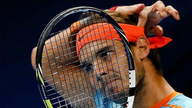Rafael Nadal má i potíže se zády.