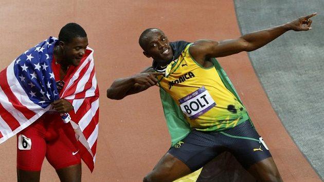 Justin Gatlin (vlevo) po doběhu olympijském finále.