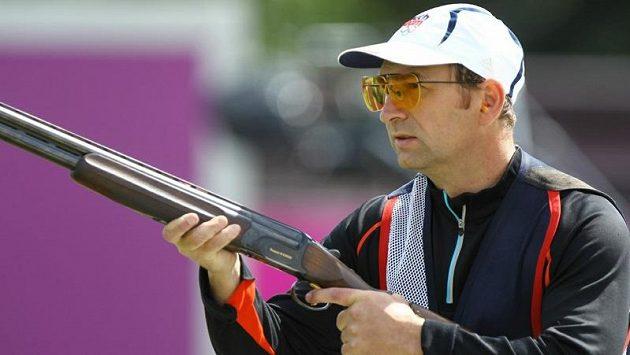 Skeetař Jan Sychra při olympijské kvalifikaci