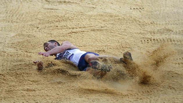 Roman Novotný při dálkařské kvalifikaci na olympijských hrách v Londýně vyhořel.