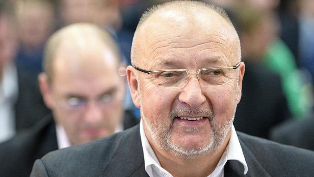 Příbramský boss Jaroslav Starka má ohledně zbytku nejvyšší fotbalové soutěže jasno - hrát se už nebude.