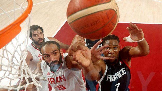 Z utkání Francie - Írán v rámci olympijského turnaje basketbalistů.