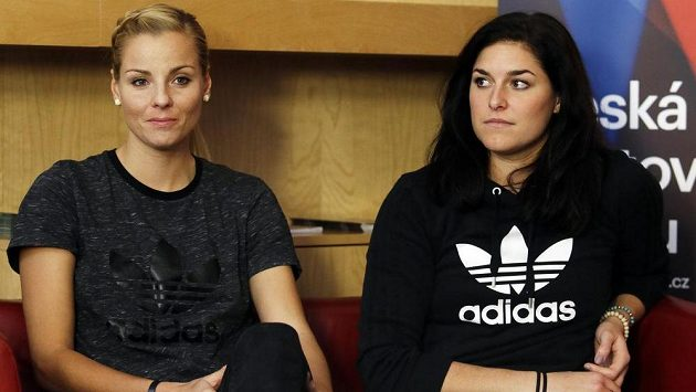 Markéta Sluková a Barbora Hermannová na tiskové konferenci.