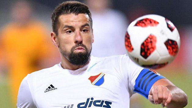 I Milan Baroš na brankáři Radovi ve velké šanci ztroskotal.