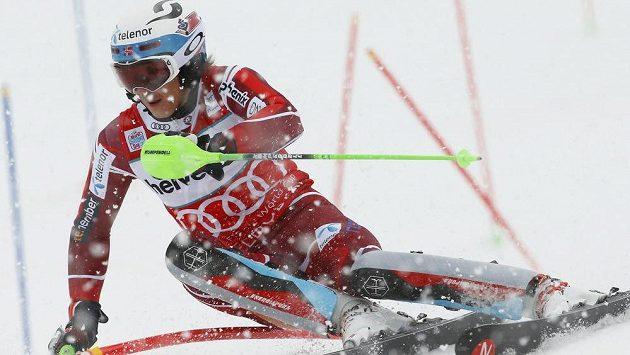 Norský lyžař Henrik Kristoffersen na trati v Adelbodenu.