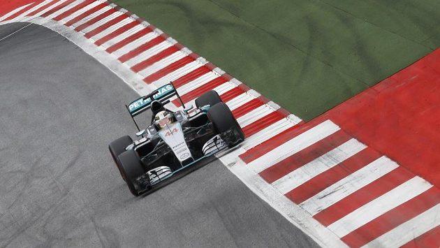 Lewis Hamilton při kvalifiakci GP Rakouska