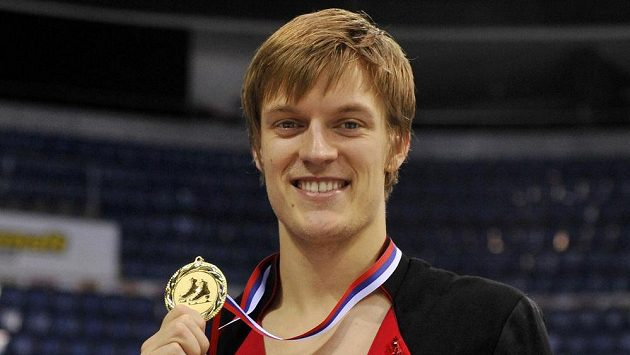 Krasobruslař Tomáš Verner se zlatou medailí pro mistra republiky.