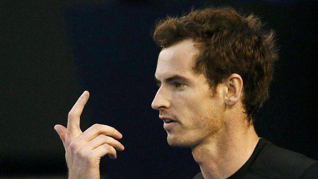 Britský tenista Andy Murray ve čtvrtfinálovém duelu Australian Open s domácím Nickem Kyrgiosem.