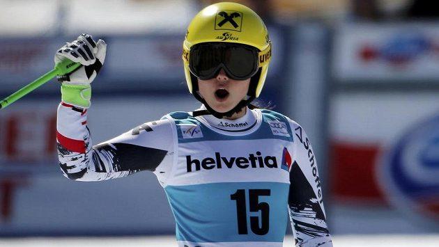 Rakouská lyžařka Anna Fenningerová vyhrála poprvé Světový pohár.