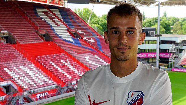 Václav Černý už zapózoval v dresu Utrechtu.