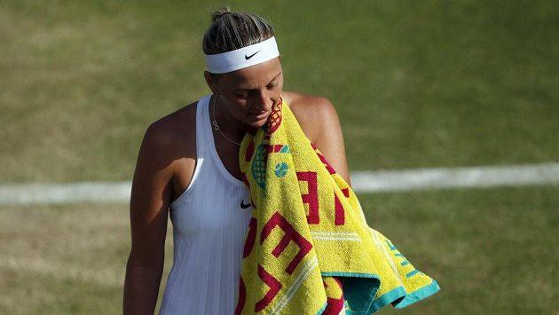 Petra Kvitová si v oblíbeném Wimbledonu sezónu příliš nevylepšila.