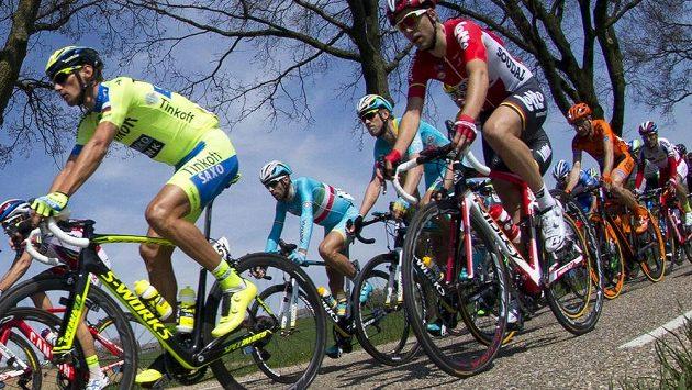 Roman Kreuziger (vlevo) na ilustračním snímku při závodu Amstel Gold Race.