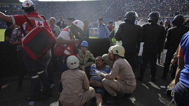 Dramatická situace na fotbale v Tegucigalpě.