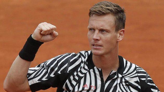 Vítězné gesto Tomáše Berdycha.