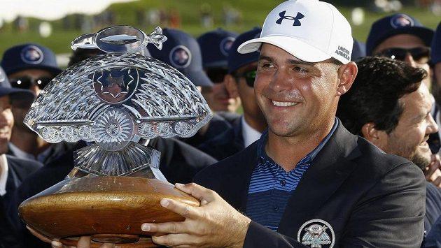 Americký golfista Gary Woodland uspěl poprvé na PGA Tour v rozstřelu a vyhrál turnaj Phoenix Open.