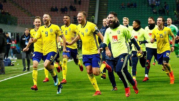 Švédští fotbalisté se radují! V baráži o postup na MS do Ruska vyřadili favorizovanou Itálii.