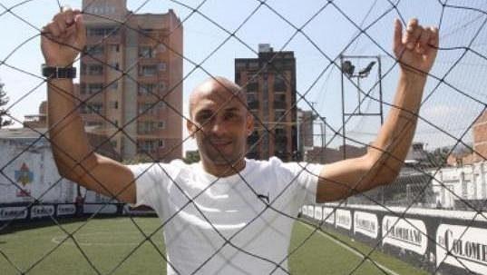 Diego Osorio skončil za vězeňským plotem.
