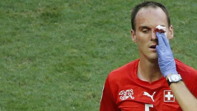 Pro švýcarského obránce Von Bergena (na snímku) šampionát v Brazílii skončil.