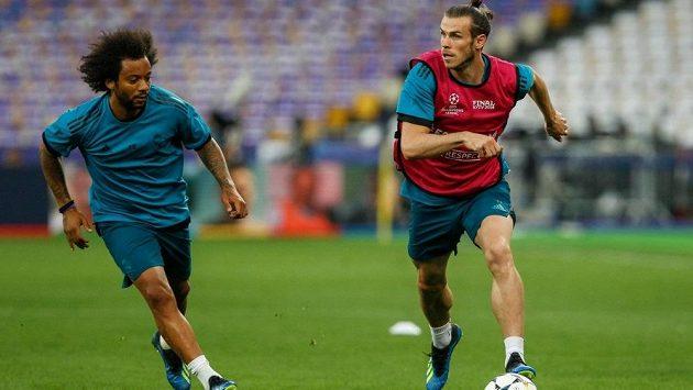 Gareth Bale na tréninku Realu s Marcelem.