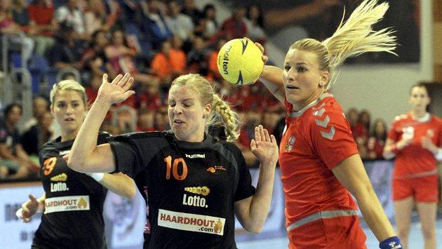 Hana Štěrbová (vpravo) a Nizozemka Danick Snelderová.