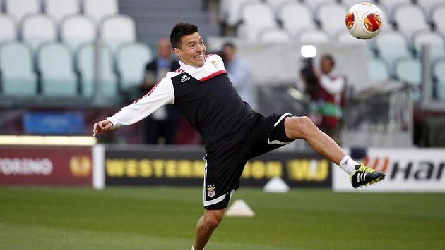 Argentinec ve službách Benfiky Nico Gaitán na tréninku před finále Evropské ligy proti Seville.