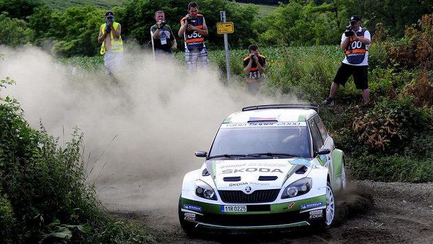 Posádka Jan Kopecký a Pavel Dresler 22. června na trati čtvrtého podniku mezinárodního mistrovství České republiky v automobilových soutěžích, Rallye Hustopeče. Kopecký s Dreslerem soutěž vyhrál.