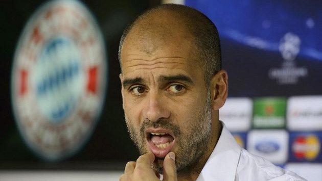 Trenér Bayernu Mnichov Pep Guardiola na tiskové konferenci v Mnichově před utkáním Ligy mistrů s Viktorií Plzeň.