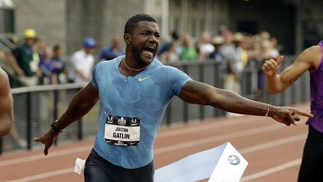 Justin Gatlin vyhrál na americkém atletickém šampionátu běh na 200 metrů časem 19,57 sekundy.