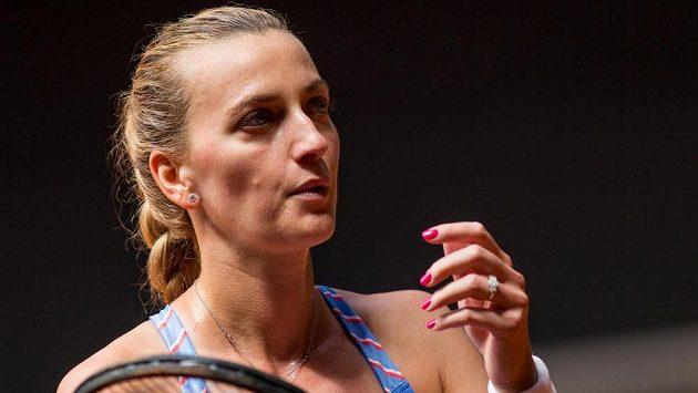 Petra Kvitová si finálový zápas exhibičního tenisového turnaje v Berlíně zahraje až v pátek.