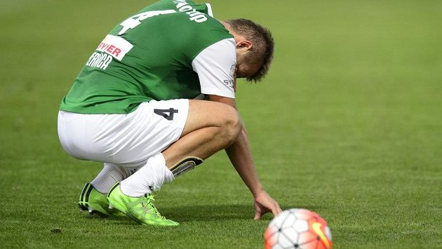 Zklamaný jablonecký obránce Luděk Pernica po utkání s Ajaxem.