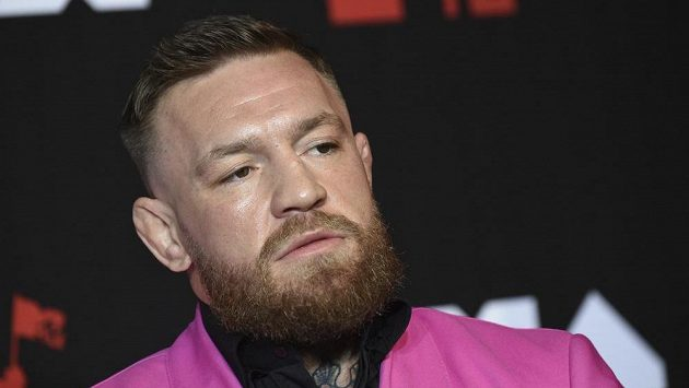 Conor McGregor se dostal do konfliktu se známým zpěvákem