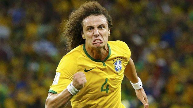 David Luiz měl důvod k radosti - zvyšoval na 2:0 pro Brazílii.