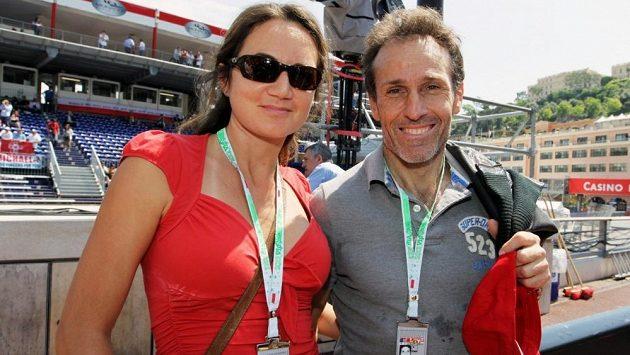 Andrea de Cesaris (vpravo) na archivním snímku v roli diváka Velké ceny Monaka.