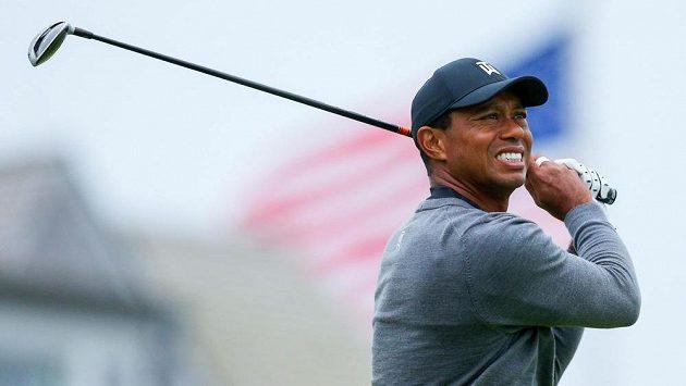 Bývalý první golfista světa Tiger Woods při svém návratu na major US Open nejspíš neprojde cutem.