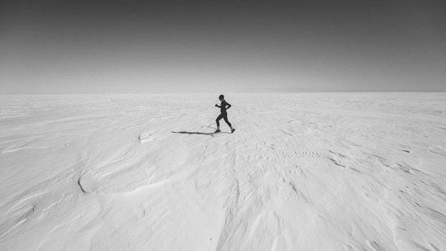 Účastníci si během náročného týdne užijí poušť ledovou i písečnou.