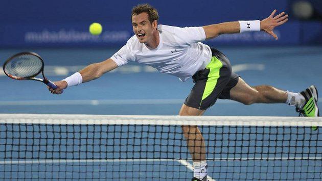 Andy Murray v exhibici v Abú Zabí přejel Rafaela Nadala 6:2 a 6:0.