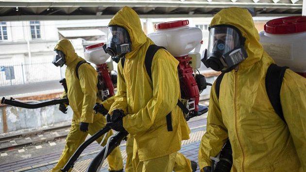 Desinfekční jednotka v Moskvě.
